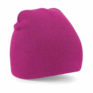 Pull on beanie wintermuts in het fuchsia roze