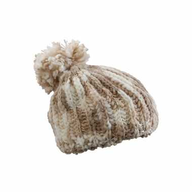 Warme naturel kleurige wintermuts met pompon