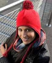 Rode wollen wintermutsen